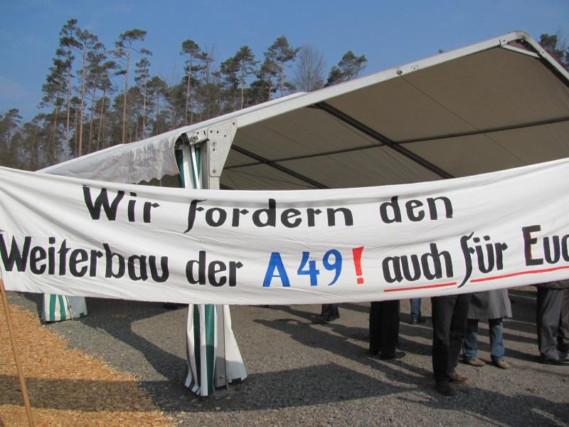 Der Weiterbau der A 49 wird von der Vogelsberger CDU und der Bevölkerung schon lange gefordert – wie hier beim 1. Spatenstich in Schwalmstadt-Treysa im März 2011