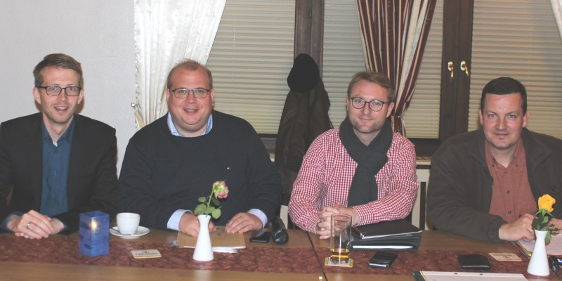 Bilden immer wieder alte und neue Gesichter der CDU kommunalpolitisch fort (v.l.): Michael Ruhl MdL, Kreistagsfraktionschef Stephan Paule, Kreisvorsitzender Dr. Jens Mischak und KPV-Kreisvorsitzender Dietmar Krist (ARCHIVFOTO).